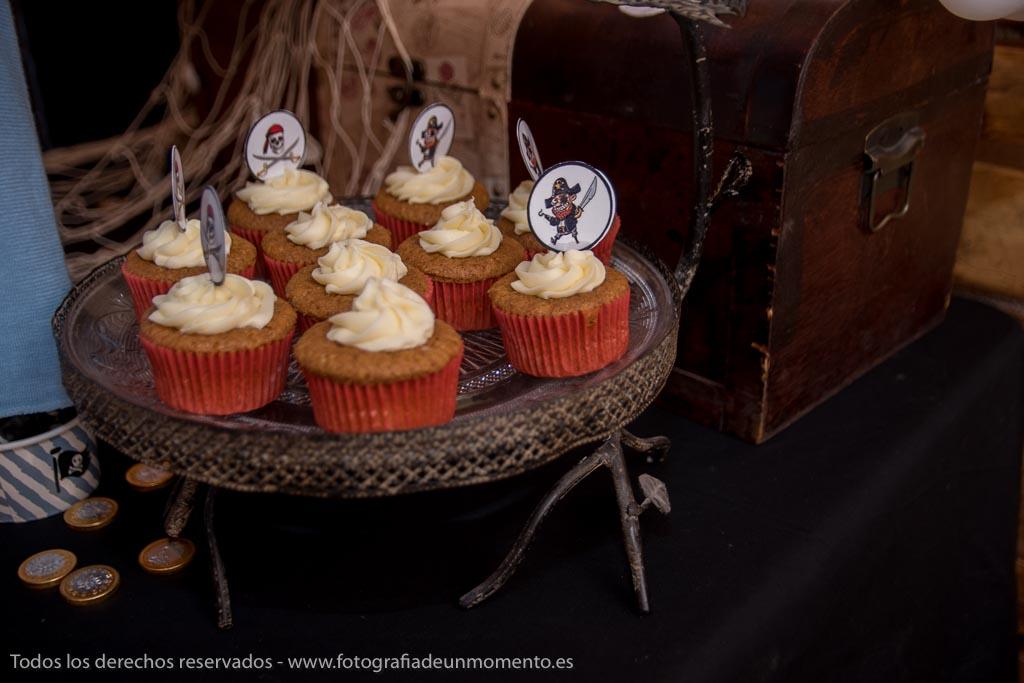 decoración de mesa dulce con temática pirata